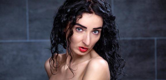 Bondage Fotoshooting für Männer – mit Model Scarlet