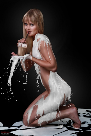 Milk Dress - Milchkleid - Latte Macchiato